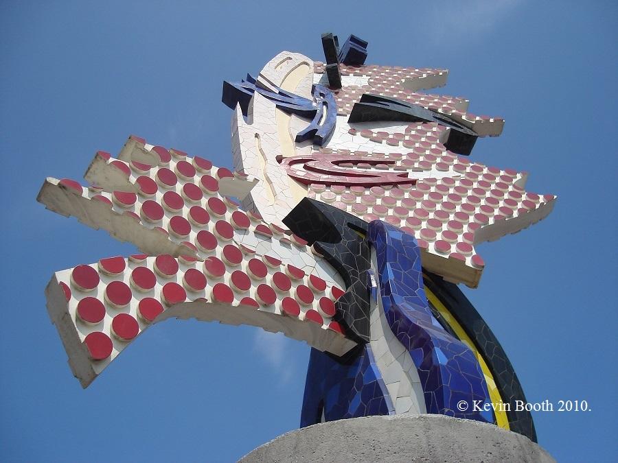 It took the Badajoz artist Diego Delgado Rajado two years to produce Barcelona's Head to Lichtenstein's design