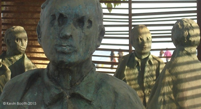 The concurrent unity and disparity of Muñoz's figures evoke a group of political prisoners estranged by ideological differences
