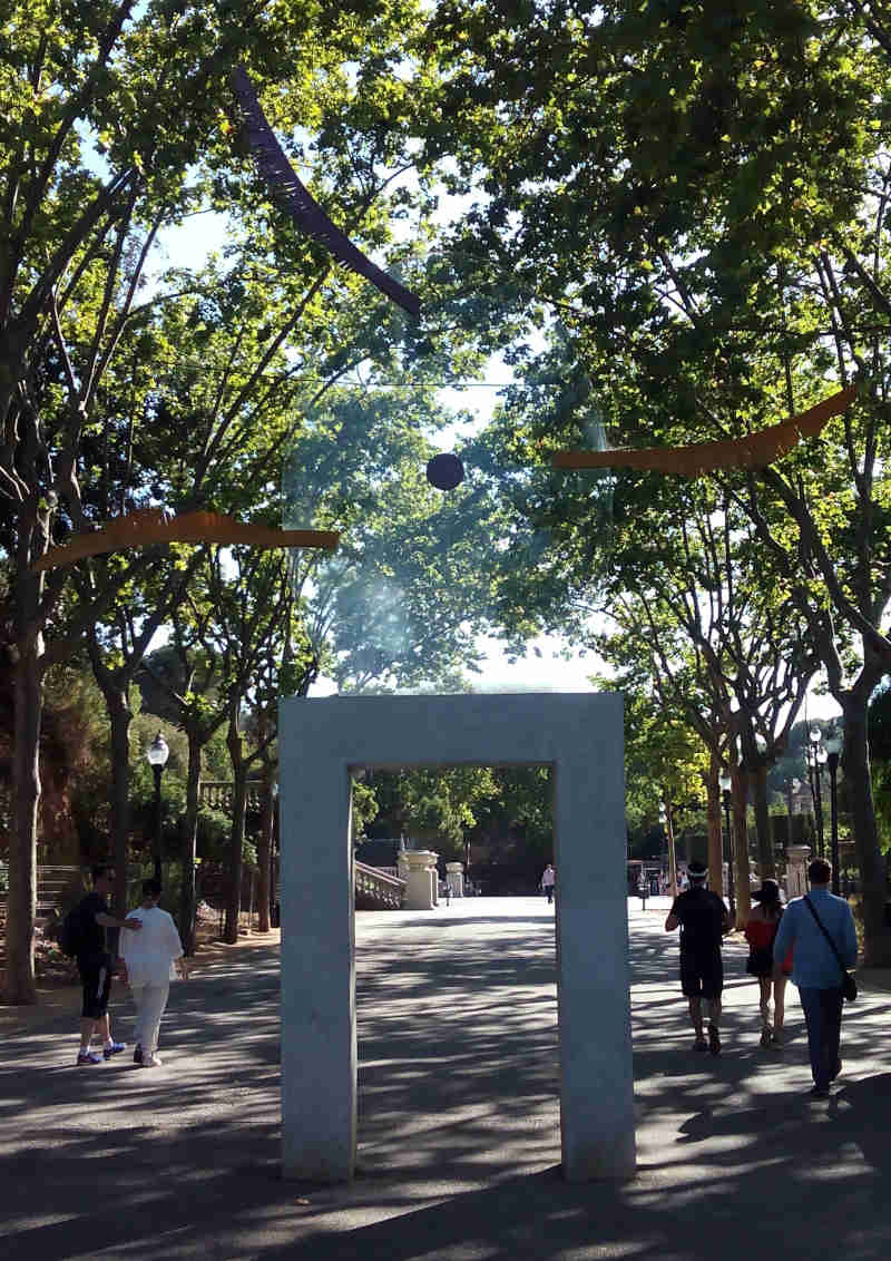 Silvia Gubern's installation Feníxia on Passeig de Jean Forestier, a stone's throw from Montjuïc's Magic Fountain