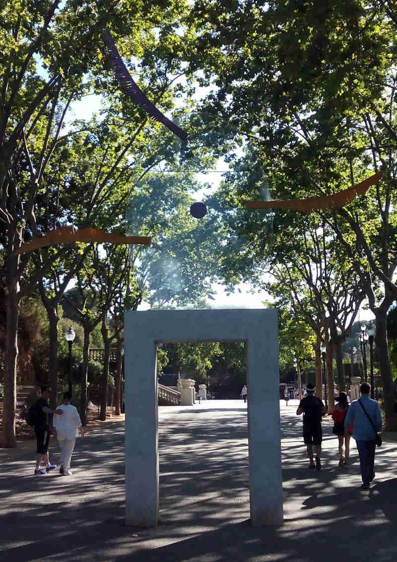 Silvia Gubern's installation Feníxia on Passeig de Jean Forestier, a stone's throw from Montjuïc's Magic Fountain